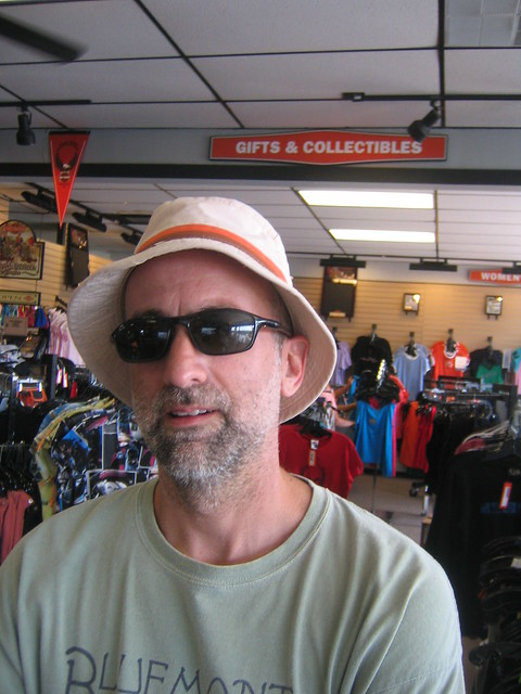 Boat_trip_31_floppy_hat_Tom_in_Harley_store