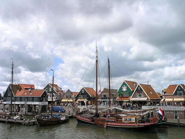 Vollendam - ships 2