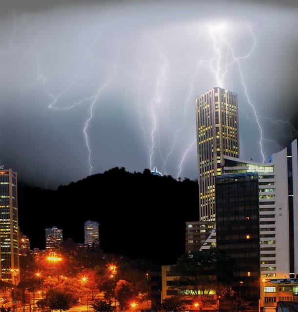 Bogotá Una tormenta (Colombia)