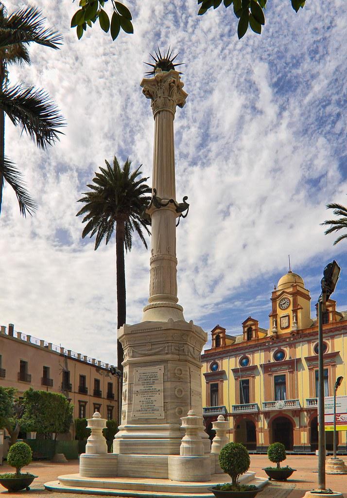Monumento A Los Coloraos Plaza Vieja Almería Flickr