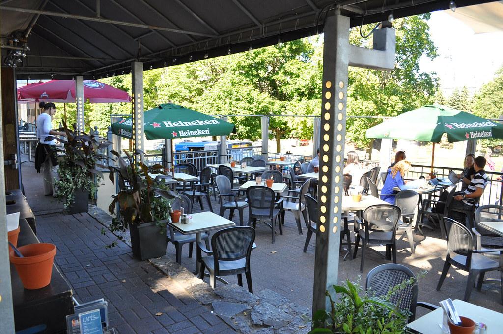 Restaurante Le Grand Cafe Quebec Canada Terraza