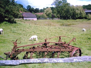 Wadhurst Circular Paint Your Wagon - or any other farm implements to prevent rust. David A. Vivitar 5199 mp