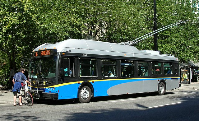 E40LFR 2270 Howe at Smithe 2007_0827