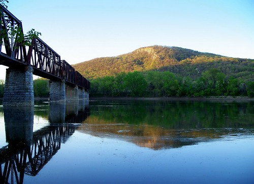 pictures railroad bridge light sunset terrain cliff mountain reflection abandoned water train river photography mirror photo day image cloudy photos pennsylvania profile picture rr pa photographs photograph valley ledge campbells lv susquehanna lehigh susquehannariver pittston campbels coxton lehighvalleyrailroad campbellsledge