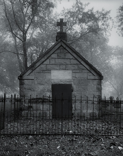 bw grave wisconsin port washington cemetary tomb 4x5 delta100 90mm ilford largeformat sepulchre portwashington shenhao portwashingtonwi reckinger