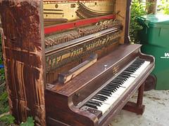 junk piano