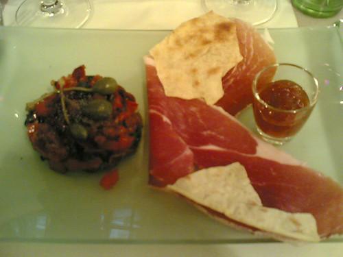 Radis Rose: Jambon de l'Ardèche, Tomates et Câpres, Chutney de tomates