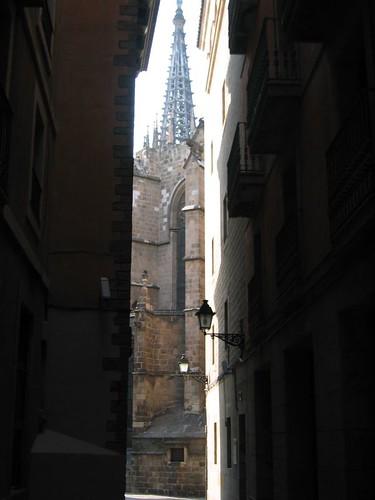 La catedral des del carrer Paradís