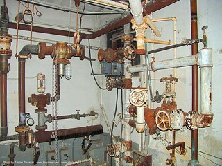 2643-phsh-basement - pipes - plumbing - valves - Abandoned Hospital (Presidio, San Francisco) | by loupiote (Old Skool) pro
