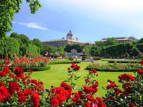 Jardim Volks, vendo-se ao fundo o Edifício do Museu de História