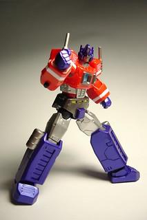 Revoltech 019 Optimus Prime   by jquiz