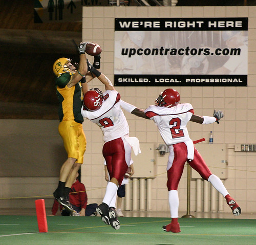 Elmore goes up for a catch