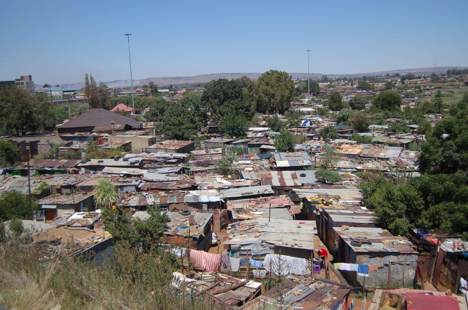 AHI Treasures of Southern Africa 3-07 0037 N