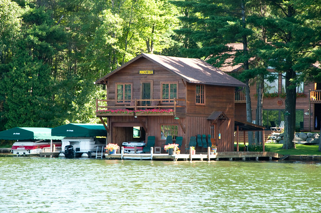 Minocqua Boat Houses-04