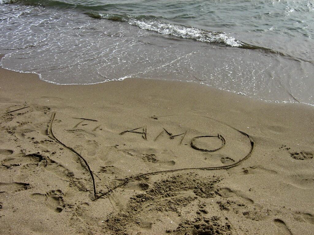 Vamos A La Playa Ho Scritto T Amo Sulla Sabbia Maybe You Flickr