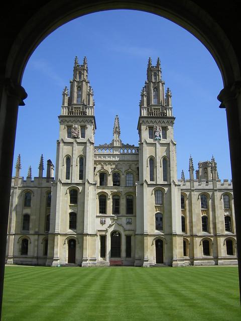All Souls College de dia