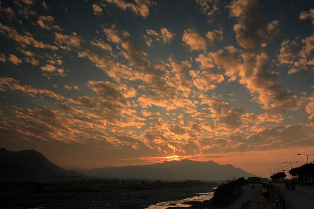 絢爛的濁水溪彩霞