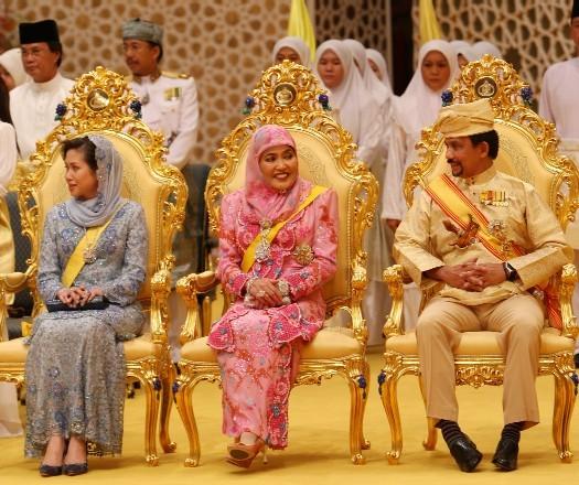 Pre-wedding Ceremony - MAJLIS ISTIADAT BERBEDAK PENGANTIN DIRAJA