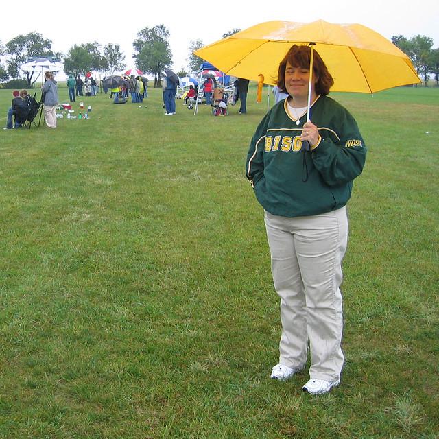 d2626 Suzanne under yellow umbrella