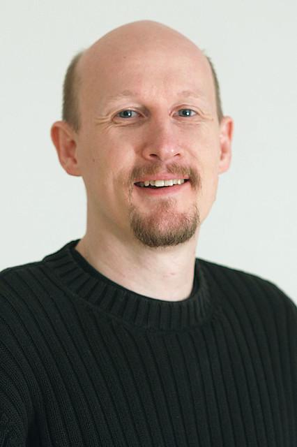 0288 Craig Maas white blur