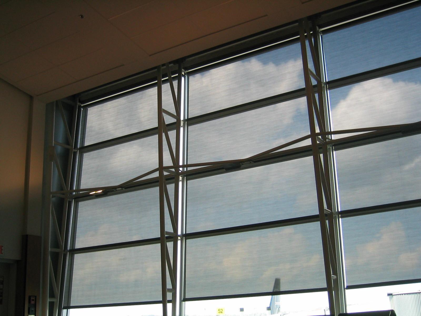 airport montreal03.JPG