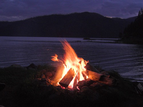 vacation mountain nature landscape fire colorado place campfire event keyword vallecitolake eventvacation fritzmb placecoloradovallecitolakecrollcabins eventfirecampfire keywordnaturelandscapemountain crollcabins