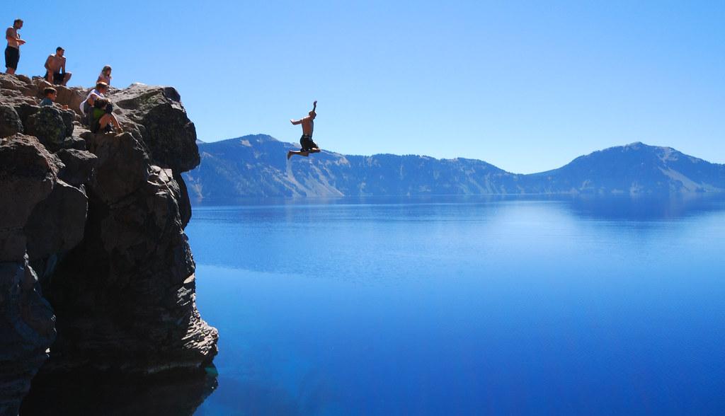 hot sale online 20e40 7badf Frozen above Crater Lake | Crater Lake Oregon......A nice li ...