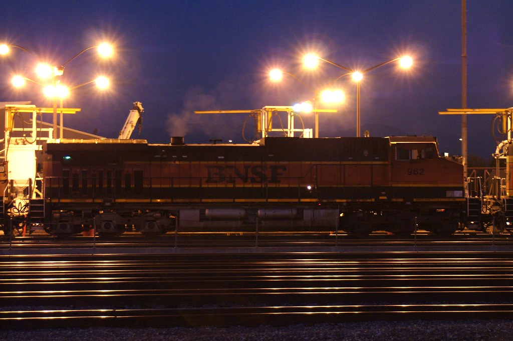 BNSF 962, a Dash 9-44CW, at the Commerce depot after dark