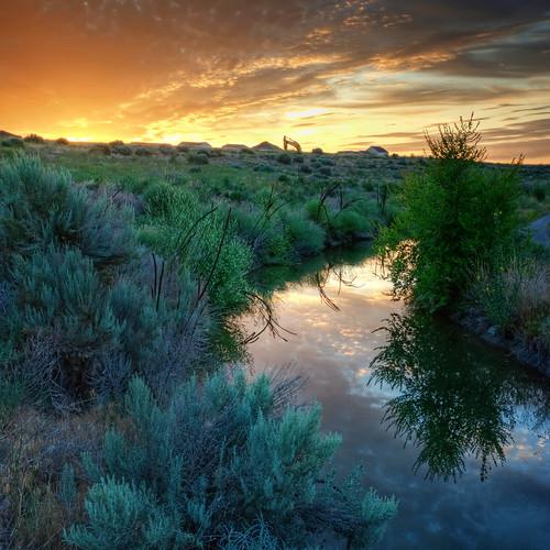 morning sky reflection sunrise landscape canal washington desert farm irrigation pasco