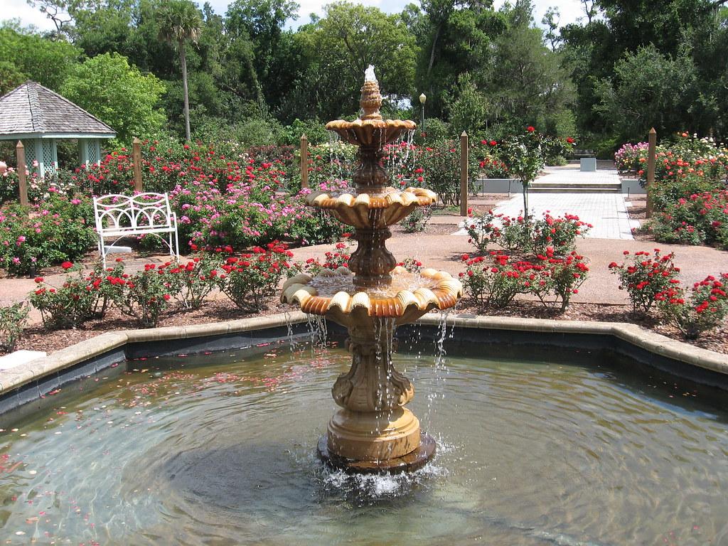 Harry P Leu Botanical Gardens Rose Garden fountain