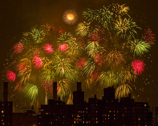 NYC 4th of July Fireworks, 2007 | by Barry Yanowitz