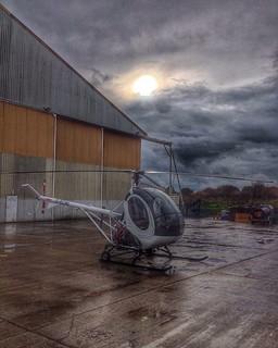 Taking a break  #helicopter #Heli #copter #chopper #hughes #300 #cbi #300c #training #trainer #lesson #barn #fly #flying #flyer #fight #flight #lamborghini #ferrari #porche #london #airport #bell #206 #jetranger #charter #passenger #tours #night #light