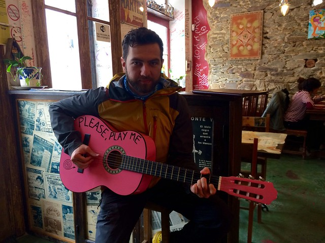 Ciprian and the pink guitar - Sarria