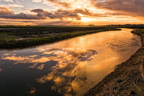light sky ice water grass clouds reflections landscape nikon sundown nederland nl noordholland oostwoud