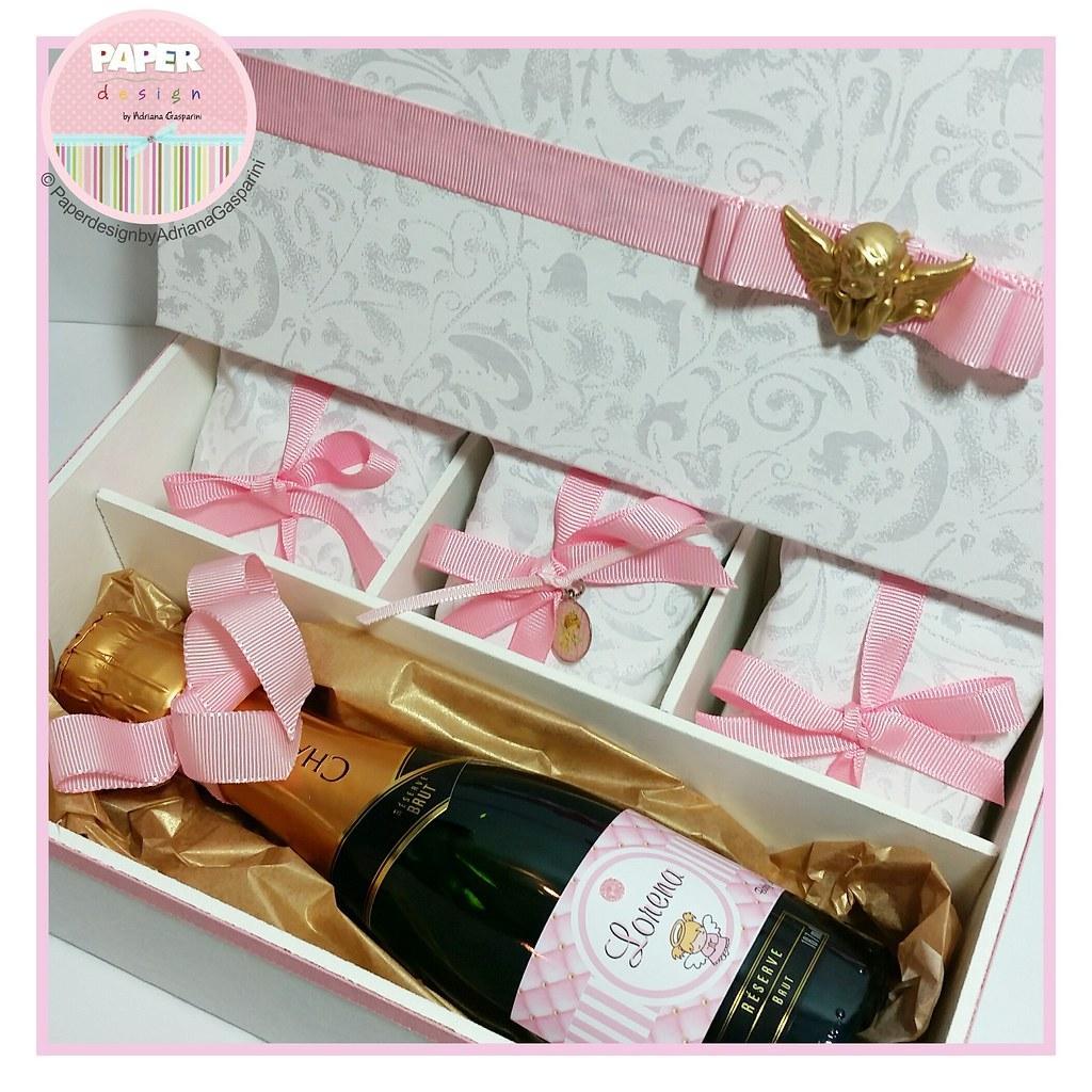 9230fd4bddc510 ... Caixa convite para Padrinho/madrinha de Batizado: baby chandon e 3 pães  de mel
