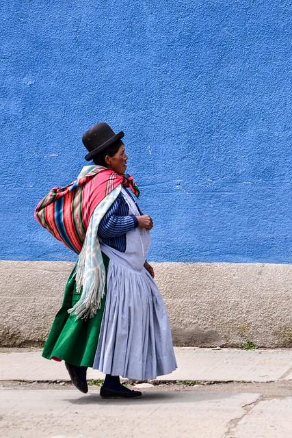 Cholita en el Alto / Cholita at