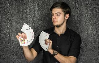 Kártyatrükkök modern köntösben