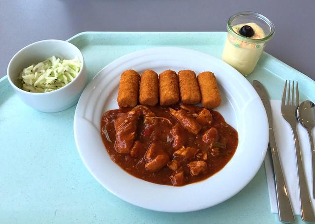 "Turkey chop in bell pepper sauce with croquettes / Putengeschnetzeltes ""Zigeuner Art"" mit Kroketten"