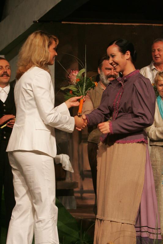 2004 Domača gledališka predstava Cvetje v jeseni - foto Uroš Zagožen
