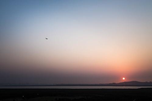 sunset plane dusk jet mumbai