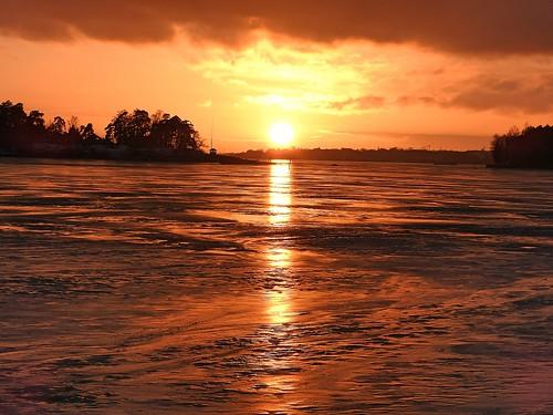 ice finland bay helsinki herttoniemi