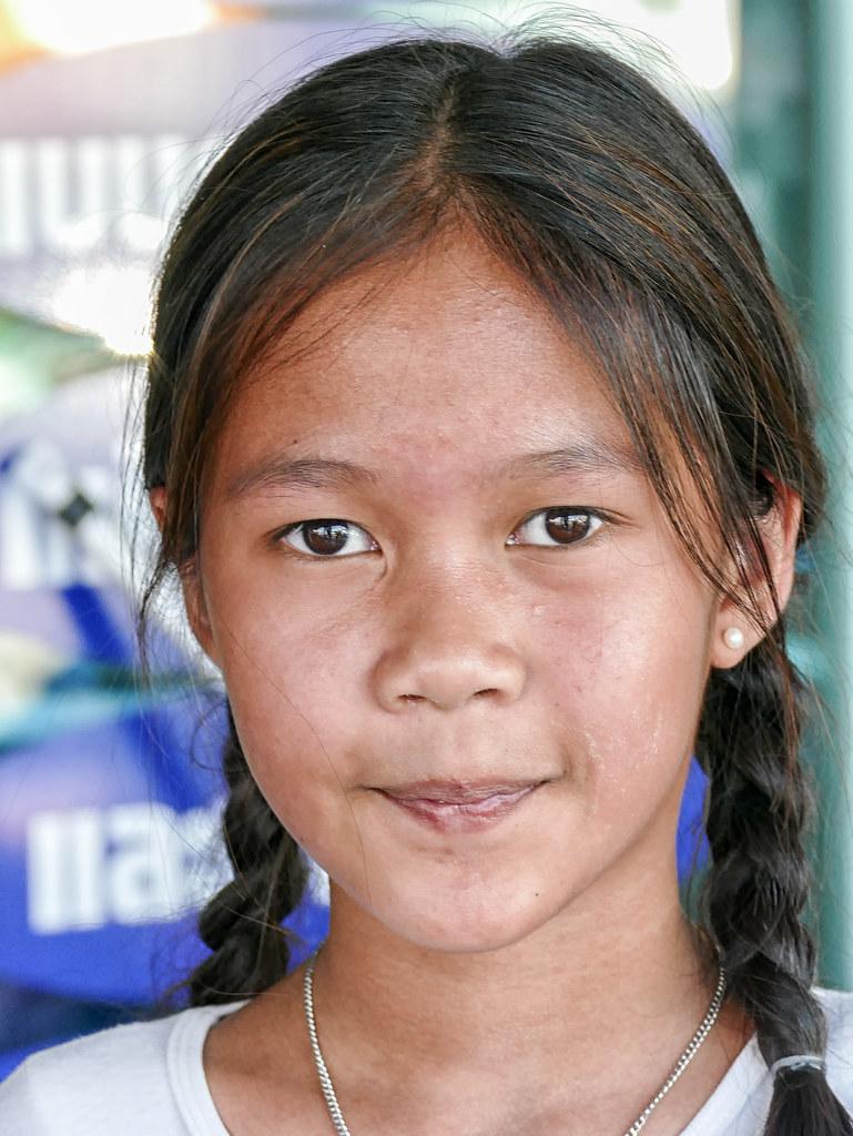 Cute Thai girl, Children's Day, Bangkok | Gösta Knochenhauer
