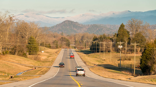 road sky mountain snow mountains cars clouds canon landscape highway tn poles rd phonepoles 70d tellicoplains