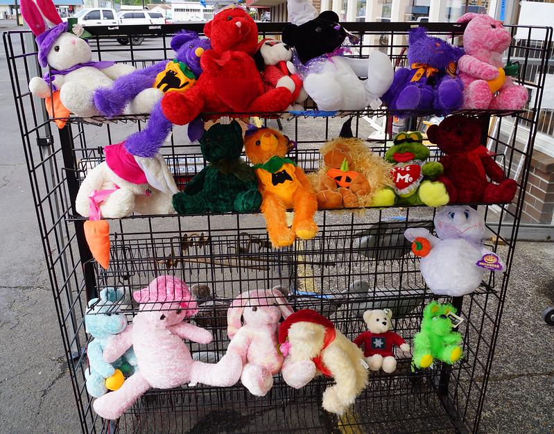 Sale at Castle Rock Mercantile Antique Mall DSC01409