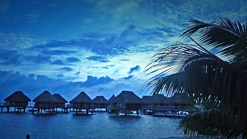 resort tahiti sunset pool sunrise polynesia pearlbeach ポリネシア モーレア ソシエテ諸島 francehpolynesia タヒチ society frenchpolynesia societyislands フレンチポリネシア moorea 珊瑚礁