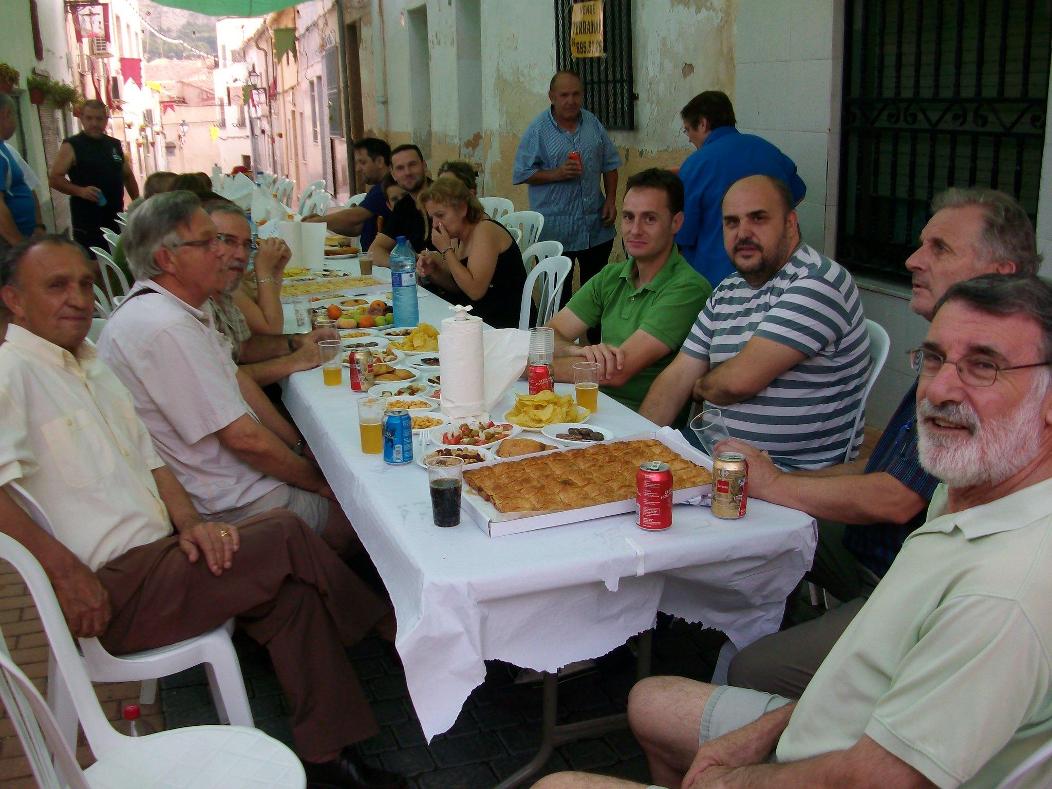 (2011-07-03) Almuerzo calle Cristo - José Vicente Romero Ripoll (01)