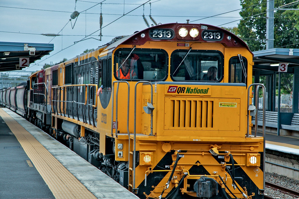 QR National class 2313 coal train heading to Port of Brisbane by Lance CASTLE