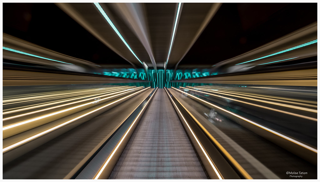 Escalator Gare guillemins Liège Belgique