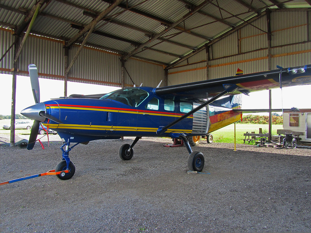 G-OHPC Cessna 208 Caravan of Headcorn Parachute Club | Flickr