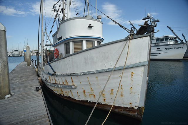 No Name Bottom Trawler - Nikon D750 - Nikkor-UD 20mm F/3.5